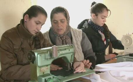 Romii din Somcuta Mare invata engleza de la un norvegian filantrop. Cum a ajuns acesta sa faca acte caritabile in Romania