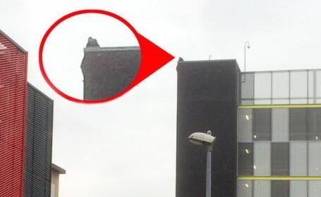 Sinucidere incurajata, in fata unui centru comercial britanic. Un barbat a sarit de pe o cladire, la indemnul privitorilor