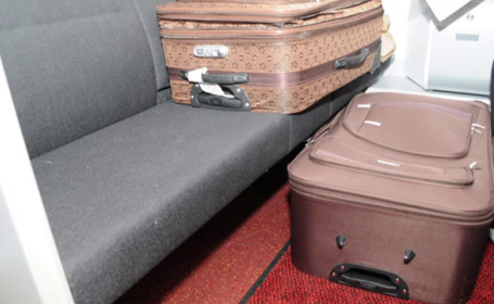 Un francez si-a ascuns nevasta rusoaica intr-o valiza, apoi a vrut sa treaca granita. Ce s-a intamplat cand au fost prinsi