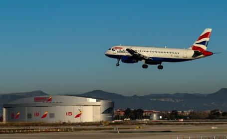 O femeie a fost arestata pe un aeroport londonez, dupa ce s-a dezbracat complet la bordul unui avion British Airways