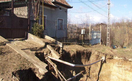 Elevii din Turda vin in ajutorul naturii. Peste 200 de copaci vor fi plantati in zona afectata de alunecarile de teren
