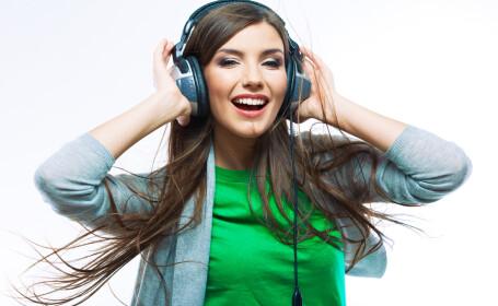 fata, casti, muzica