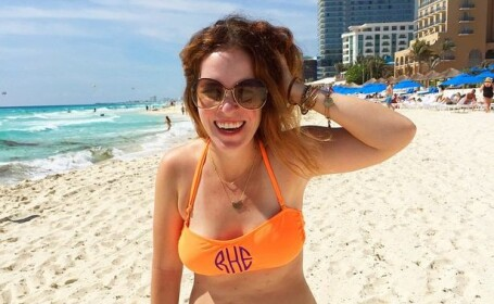 Motivul pentru care fotografia unei femei pe plaja a primit 300.000 de like-uri. Cum arata imaginea completa. FOTO