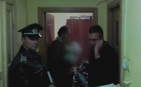 Familia unui avocat din Iasi, evacuata din apartament dupa ce nu si-a mai platit intretinerea ani de zile. Datoriile stranse