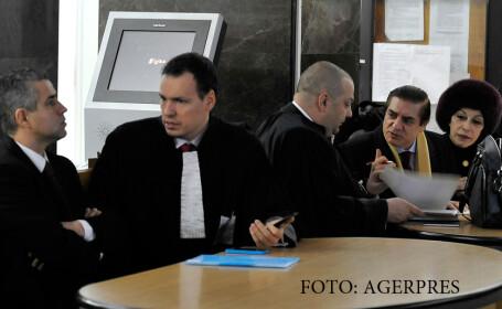Omul de afaceri Remus Truica si printul Paul discuta cu avocatii, la sediul Inaltei Curti de Casatie si Justitie