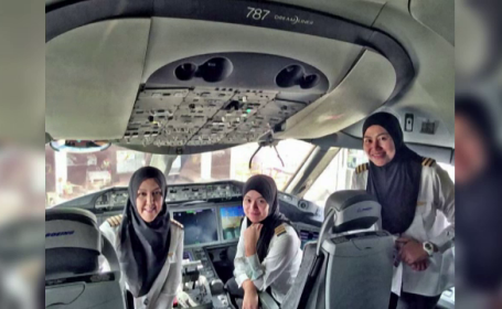 Au pilotat un avion de pasageri pana in Arabia Saudita, dar nu au avut voie sa conduca pana la hotel