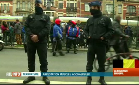 Noi indicii leaga atentatele de la Paris de exploziile din Bruxelles. Turcia acuza Europa ca \