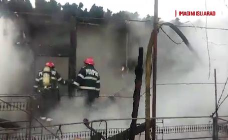 Interventie a pompierilor din Arad la o magazie ce ardea, in care s-ar fi aflat un om. Ce au gasit dupa stingerea incendiului