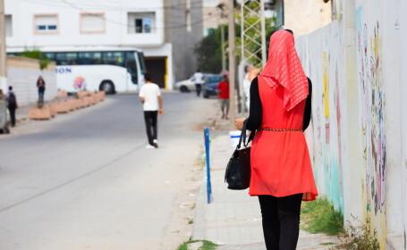 Doua tinere musulmane ar fi fost batute in Capitala, pe Calea Mosilor. \