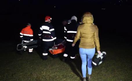 Un barbat din Cluj a ajuns la spital, dupa ce s-a rasturnat cu tractorul. Terenul era alunecos, iar soferul baut