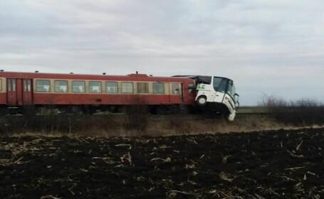Accident autocar tren