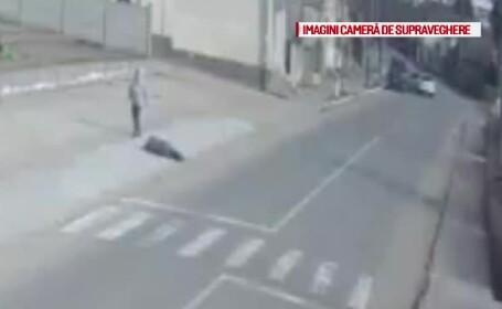 I s-a facut rau si a fost lasat sa zaca pe trotuar. Cine l-a salvat, dupa ce jumatate de ora a fost \