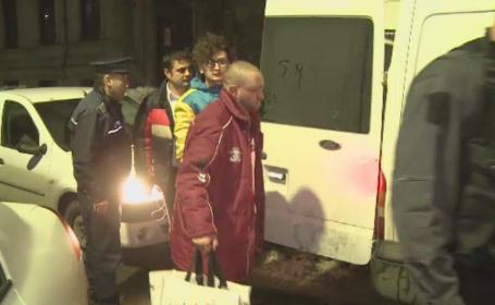 Noi arestari in cazul violentelor din Piata Victoriei. 5 barbati, plasati initial sub control judiciar, au primit mandat