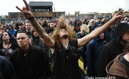 Doua persoane au murit, iar 12 oameni au fost spitalizati in urma unei busculade la un concert rock in Argentina