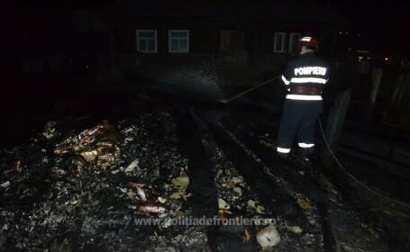 Doi maramureseni si-au incendiat casa cand au vazut ca vine politia. Ce ascundeau intr-o anexa. VIDEO