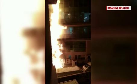 Un incendiu puternic a mistuit fatada unei cladiri de birouri din Brasov. Mai multi angajati se aflau in cladire
