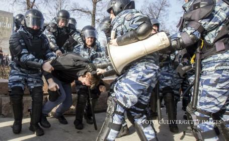 Kremlinul ii ataca pe protestatarii din Rusia dupa modelul romanesc. \