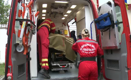 O femeie din Argeș, rănită grav după ce și-a dat foc