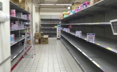 Țara unde oamenii au golit rafturile magazinelor de hârtie igienică