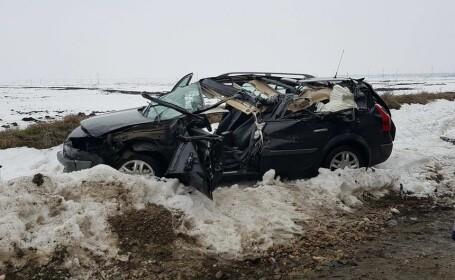 Accident cu un mort şi 2 răniţi, pe o şosea din Olt