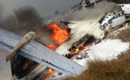 avion prabusit pe aeroportul din Kathmandu