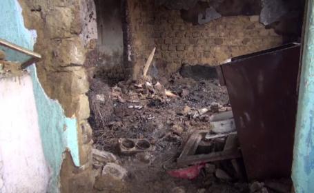 Un bărbat a ars de viu, după ce o lumânare a căzut în patul său în timpul nopții