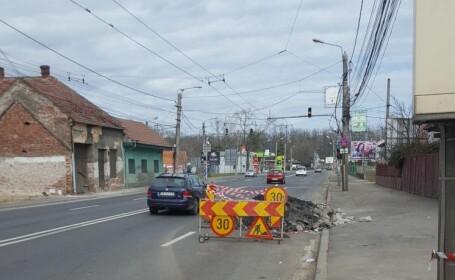 Amendat pentru că nu a mers pe banda plină de gropi, în Timișoara. Reacția Poliției