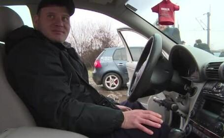 Un tânăr în scaun cu rotile a reuit să ia permisul, la Târgu Jiu. Pe ce maşină a mers