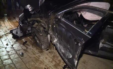 Un şofer băut a intrat într-o fântână arteziană din centrul Capitalei