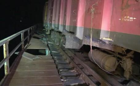 Tren deraiat în Bistriţa-Năsăud. Calea ferată este complet blocată