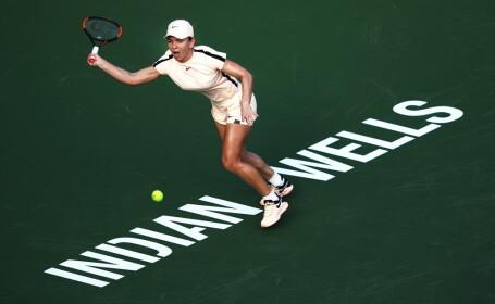 Simona Halep - Naomi Osaka 3-6, 0-6. Românca a ratat calificarea în finala Indian Wells