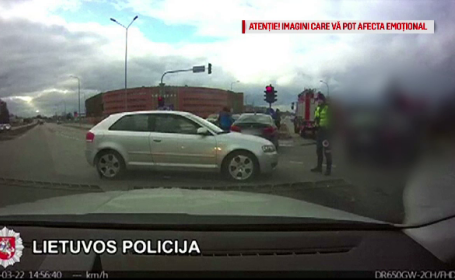 Cum a dat de necaz un șofer curios din Lituania. VIDEO