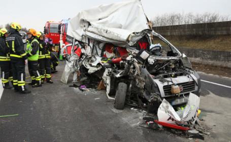 Un român a murit într-un accident rutier grav în Austria, iar un altul e rănit. VIDEO