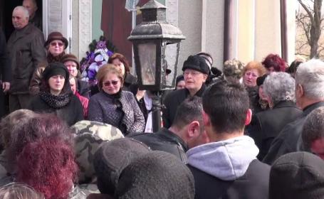 Victimele triplului omor din Brașov, înmormântate. Mesajul transmis de tatăl femeii ucise