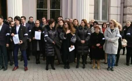 Zeci de magistrați din Cluj au protestat față de OUG 7 și anunță sesizarea CCR