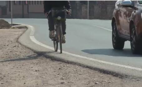 Biciclist lovit de o mașină, în Dâmbovița. Ce au descoperit polițiștii
