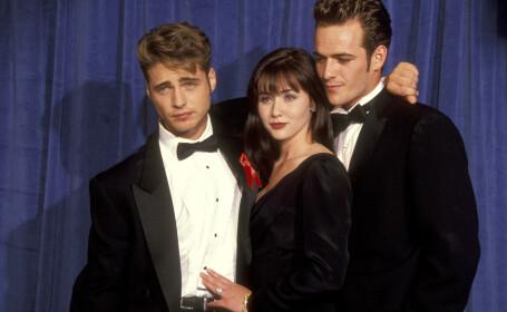 Luke Perry, alături de Jason Priestley și Shannen Doherty la a 43-a ediție a Premiilor Emmy.