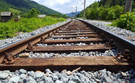 Tânărul decapitat de tren în Arad și-ar fi filmat sinuciderea
