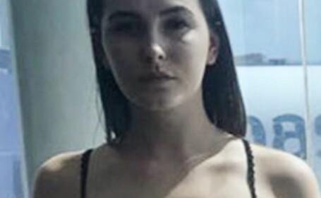 O tânără a fost amenințată de reprezentanții unei companii de zbor că va fi dată jos din avion, dacă nu se va