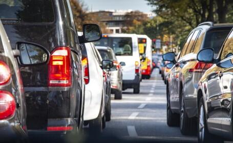 Șoferi amendati cu sute de dolari pentru placutele murdare