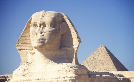 Misterul din spatele statuilor egiptene