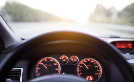 Din 2022, toate mașinile noi din UE vor avea dispozitive care limitează viteza