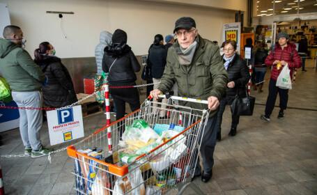 Italia închide toate unităţile comerciale, cu excepția magazinelor alimentare și farmaciilor