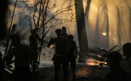 UE oferă câte 2.000 de euro migranților din Grecia să se întoarcă acasă
