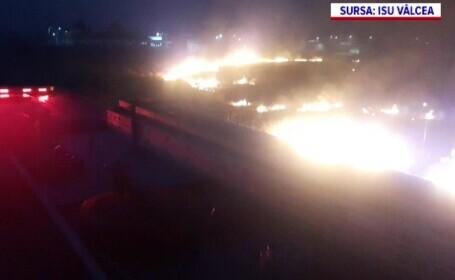 Incendiu pe 2.000 de metri pătrați de vegetație, în Drăgășani. Cât a durat intervenția pompierilor