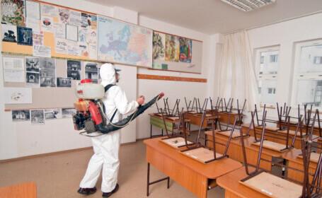 Un an de cursuri online. Copii din 1.899 de clase încă învață de acasă