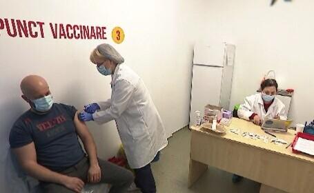 Etapa a treia de vaccinare a început cu probleme. Cum au ajuns românii să se programeze în alte orașe