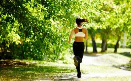 Cei care au făcut sport s-au mutat din sălile de fitness în parcuri sau chiar pe plajă