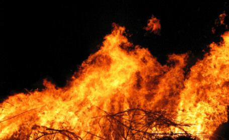 Vilele vedetelor de la Hollywood, in pericol! Incendiu in Santa Barbara