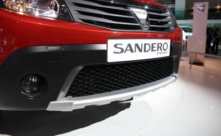 Bloomberg: De ce a cumpărat Pentagonul o Dacia Sandero României